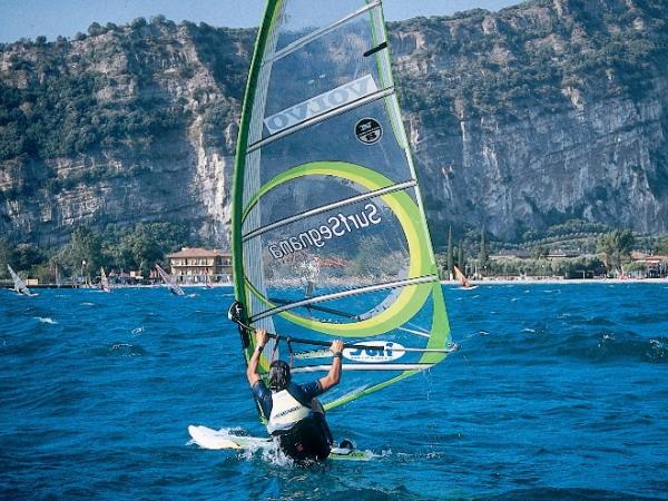 Винд/Кайт сёрфинг и Вейкбординг в Италии