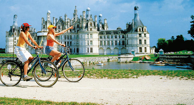 CYCLING_FRANCE_LOIRE-CASTLES_1